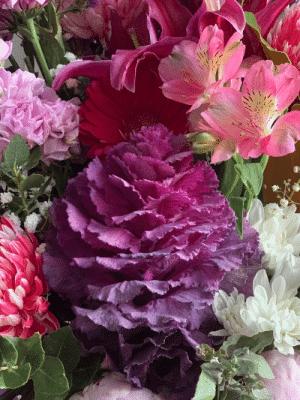 daily fresh flower arrangement